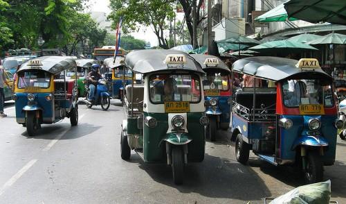 800px-Tuktukpktalad05b.jpg