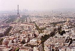 250px-Paris_wiki_800pix_eiffelview.jpg