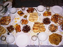 220px-Traditional-ramadan-meal.jpg