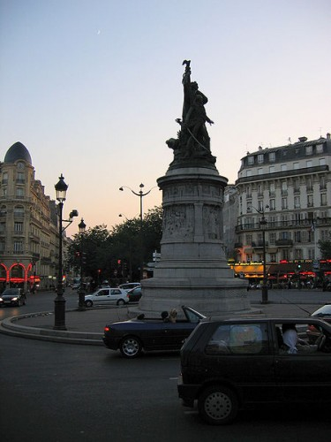 -Place_de_Clichy.jpg